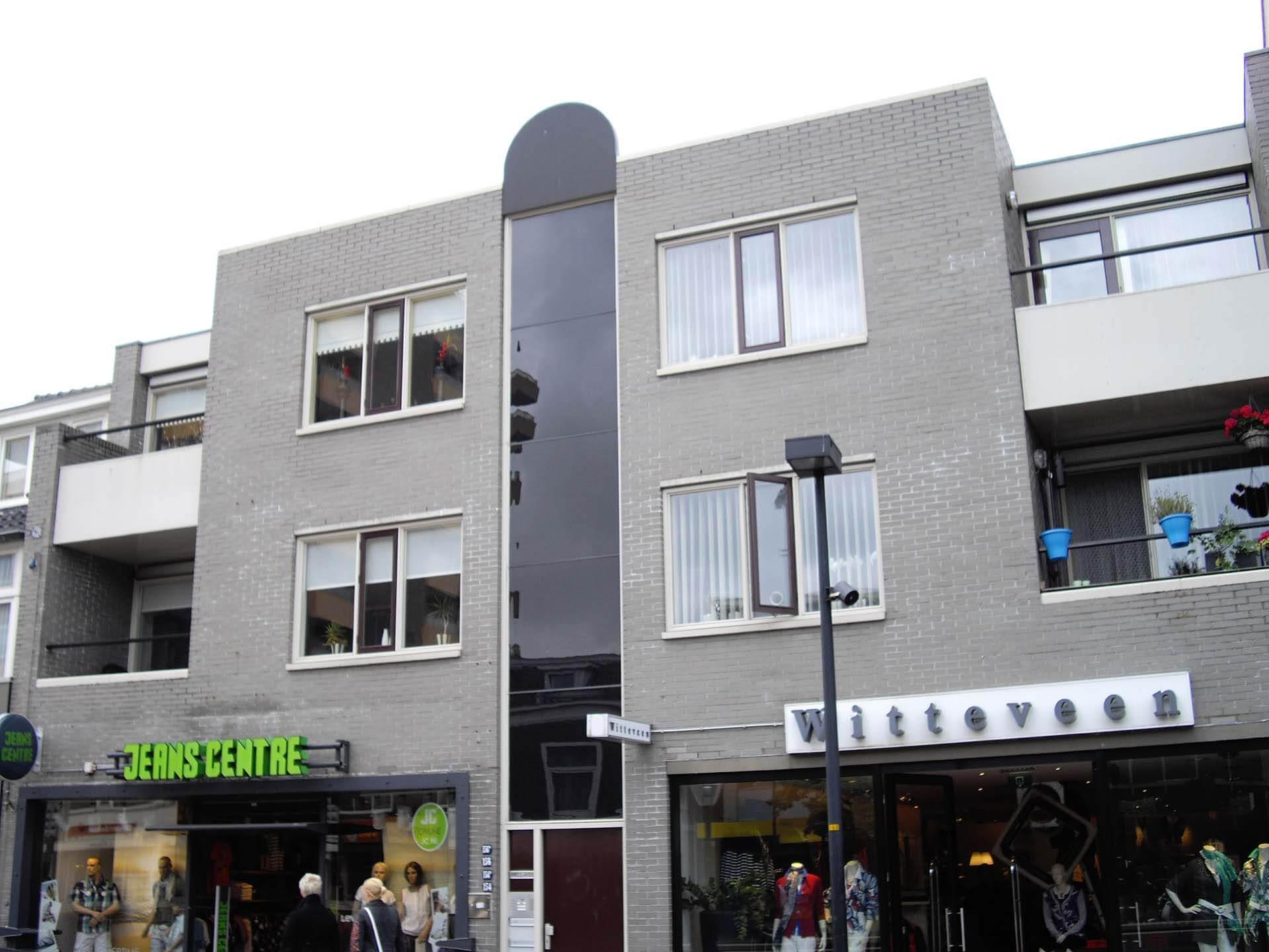 Timme Schilders Winkelpand met bovenwoningen Hoogeveen